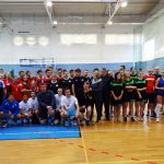 Gruppenfoto der teilnehmenden Mannschaften